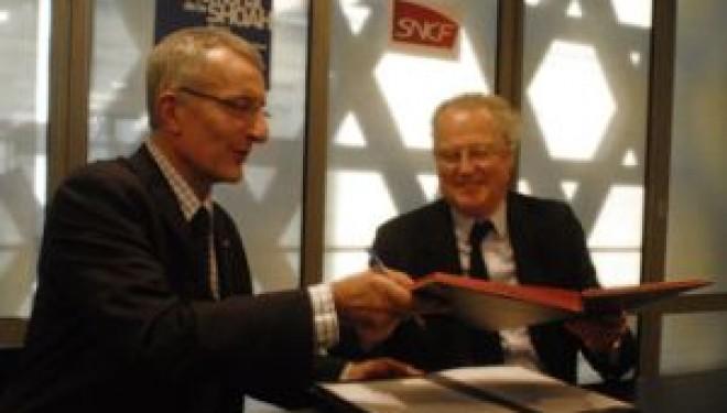 Signature d'une convention SNCF-Yad Vashem