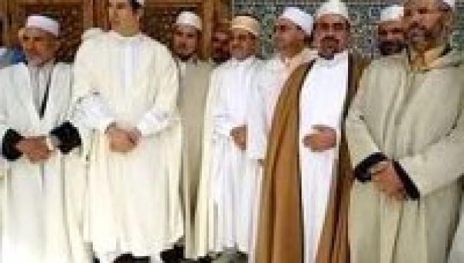 L'Algérie envoie 50 imams pour officier dans des mosquées françaises !