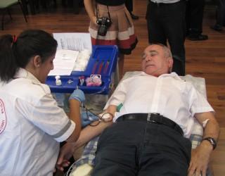 plus de  1200 dons de sang lors de la Journée Mondiale du Don de Sang 2012