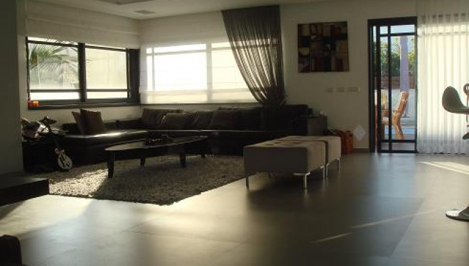 A vendre : Superbe villa quartier Tet Vav a Ashdod
