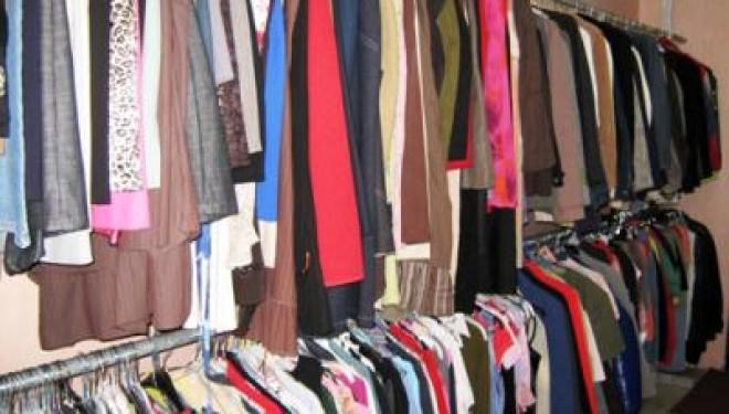 Vente de vêtements de marque à prix dégriffé !!!