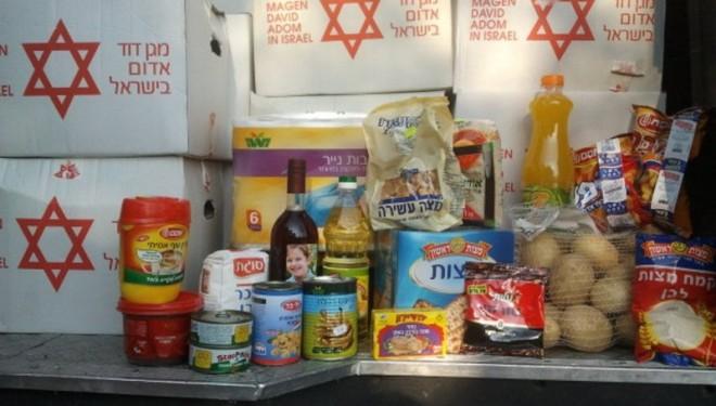 Le Maguen David Adom en Israël collecte, confectionne et distribue 30000 colis alimentaires pour les fêtes de Pessa'h