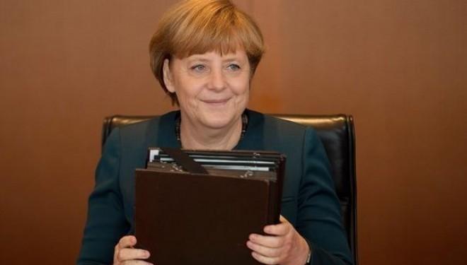 Angela Merkel reçoit le Prix du judaïsme européen !