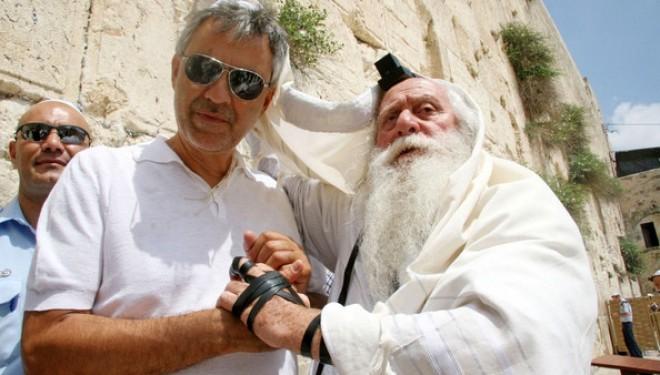 Andrea Bocelli déclare sa flamme à Israël !