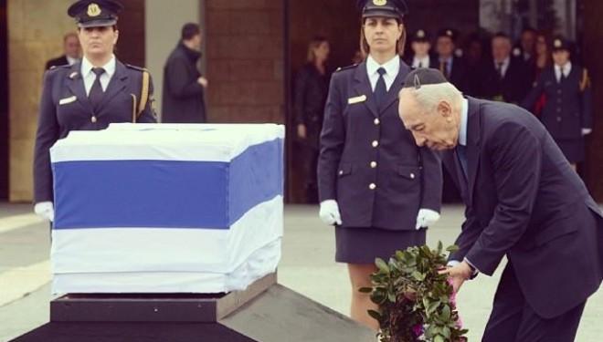 Les leaders d'Israël adressent un dernier au-revoir à Ariel Sharon