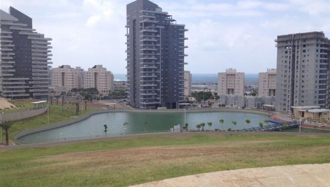 Vous ne pouvez pas vous perdre dans le parc «Ashdod Yam»