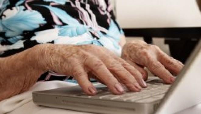 A 114 ans, Obligée de mentir sur son âge pour s'inscrire sur Facebook