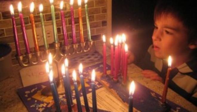 Hanouka – Les bénédictions à réciter pour l'allumage