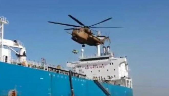 Sauvetage d'un homme blessé sur un navire en face du port d'Ashdod !