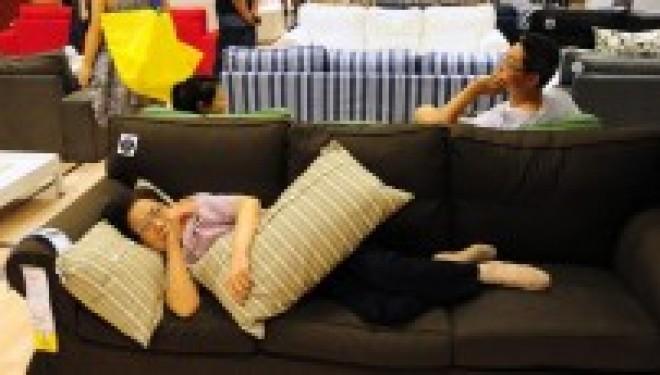 insolite : Ikea interdit à ses clients chinois de dormir dans ses magasins