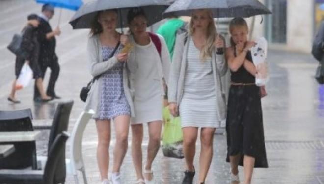 La pluie continue à tomber sur tout Israël et 50.000 foyers sont toujours sans électricité