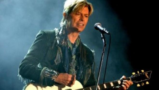 L'année commence vraiment mal, Le chanteur David Bowie est mort