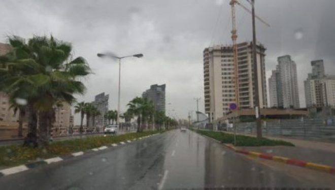 Ashdod : Qui ramène le vent et fait tomber la pluie