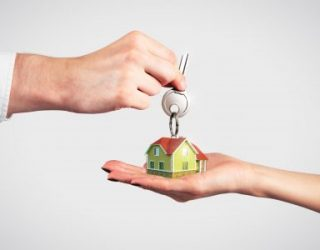 Peut-on vendre un bien immobilier avant la date de remise des clés en Israël ?