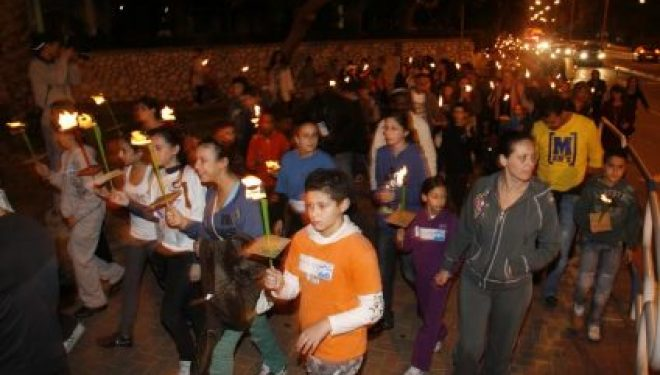 Lumières sur la ville d'Ashdod : le guide des célébrations de Hanouka