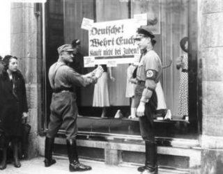 360 000 Juifs allemands soit les deux tiers ont survécu à la Shoah
