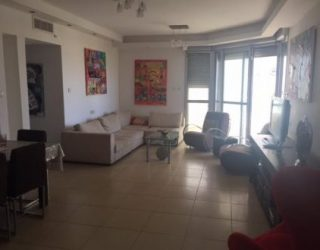 location de vacances d'un appartement de 4 pièces avec piscine à la Marina d'Ashdod : Réf. Patricia