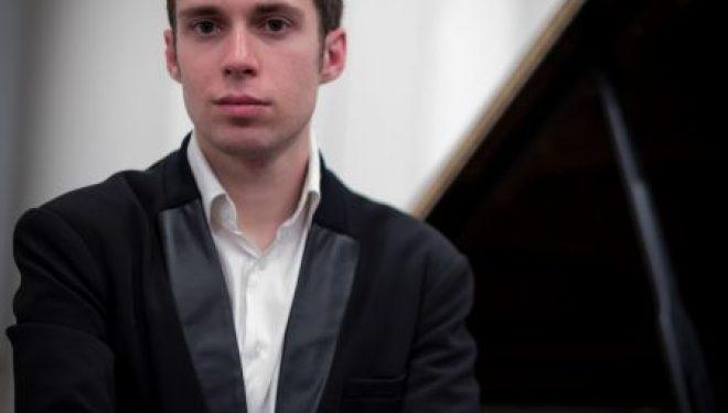 Récital de piano exceptionnel au centre Monart le 3 août a 20 heures