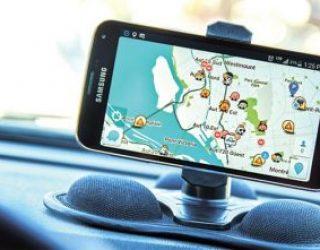Waze ajoute la fonctionnalité : temps de recherche pour trouver un parking sur notre lieu de destination !