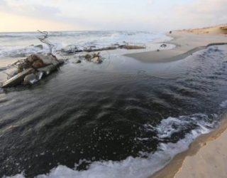 Eaux usées et plages polluées : Ashkelon subit les relents de Gaza