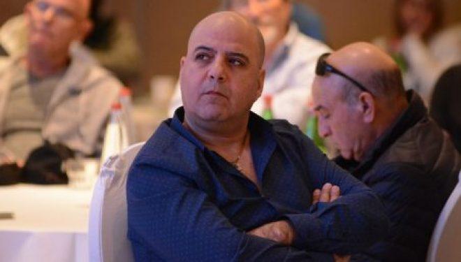 Le directeur de l'organisation des kablanim d'Ashdod répond aux critiques sur l'accord-cadre »sur le toit»